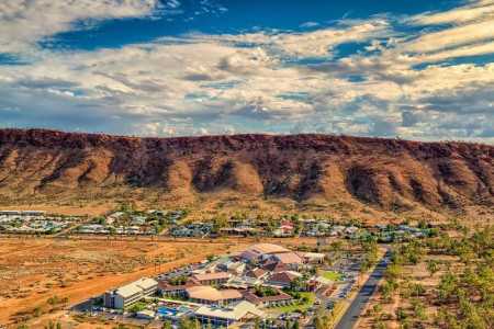 Crowne Plaza Alice Springs Lasseters_smallimage