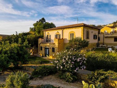 Villa La Lumia B&B Suites & Apartements_smallimage